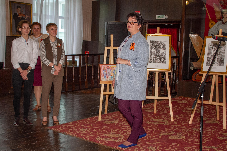 Выставка «Классики литературы на портретах юной художницы»
